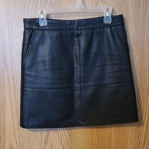 ONLY short fake leather skirt